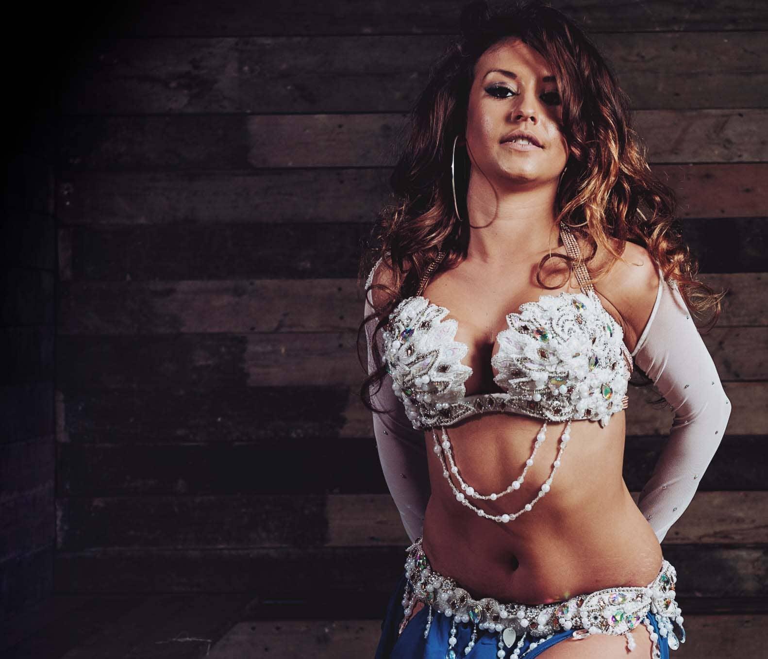 Katie Alyce London Belly Dancer IDTA qualied instructor